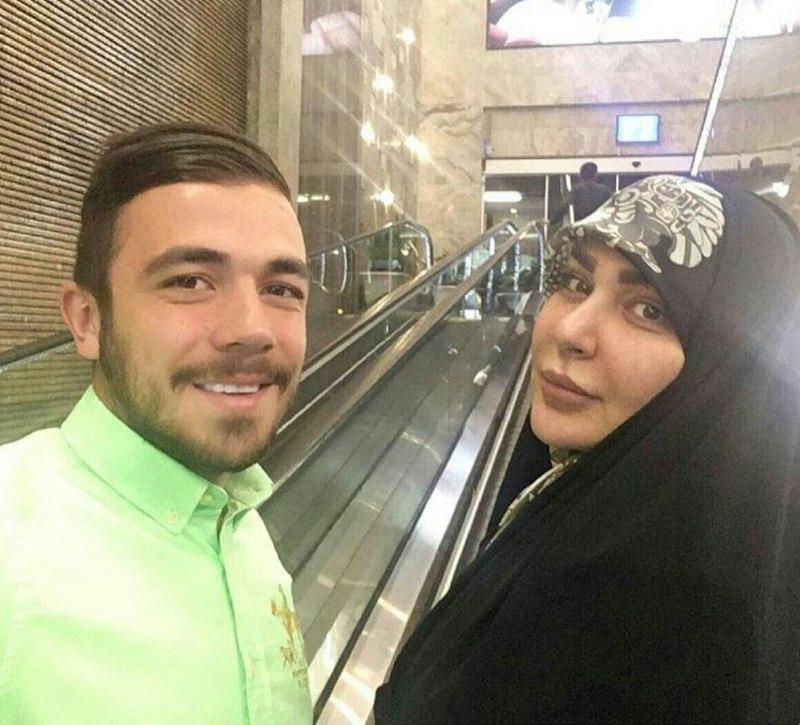 عکس همسر قلعه نویی در کنار پسرش