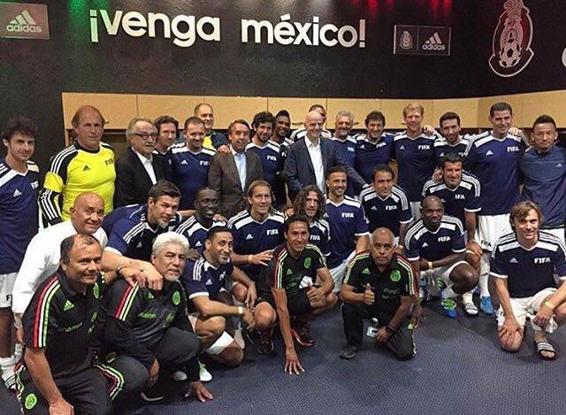 عکس های مهدوی کیا در تیم ستاره های فیفا