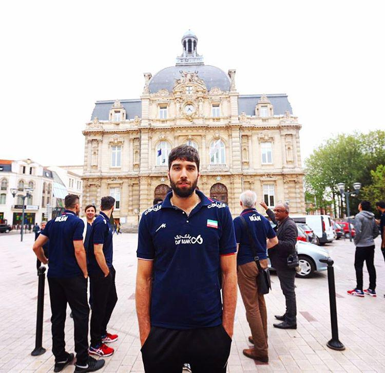 عکس های والیبالیست های ایران از اردوی فرانسه