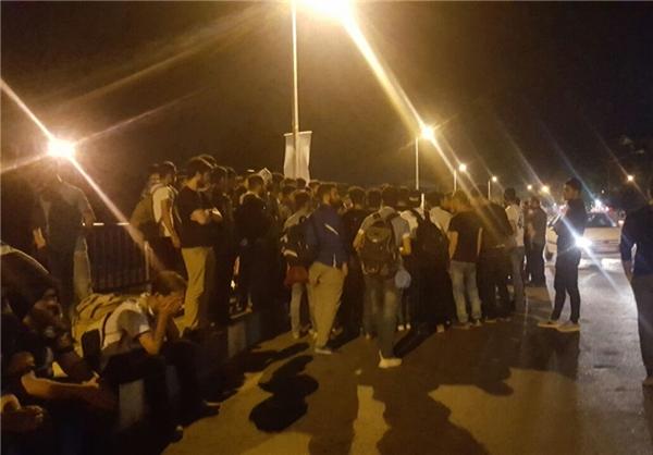 تصاویری از تجمع اعتراض آمیز هواداران ملوان