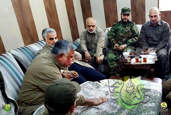«حاج قاسم» در اتاق عملیات فلوجه + عکس