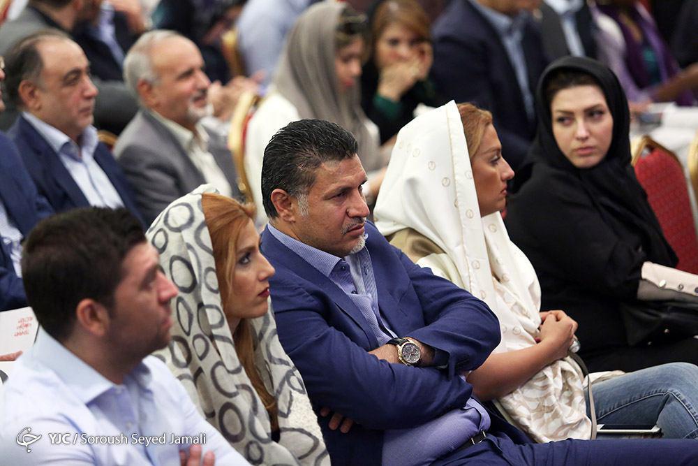 علی دایی و همسرش در حراج میلیاردی آثار هنری