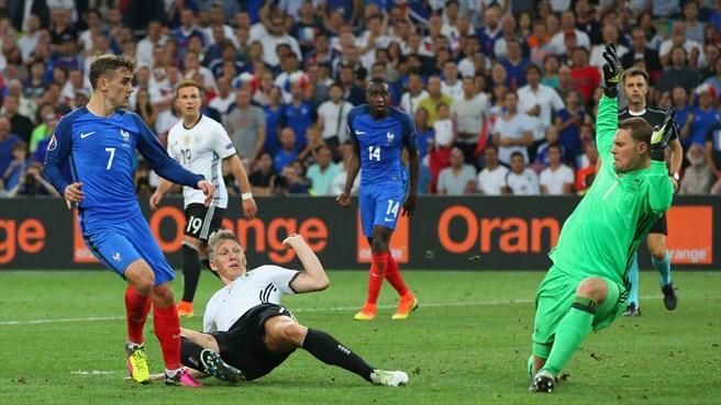 دقیقه 88 / فرانسه 2- آلمان صفر / صعود به فینال بوقت خروس خوان