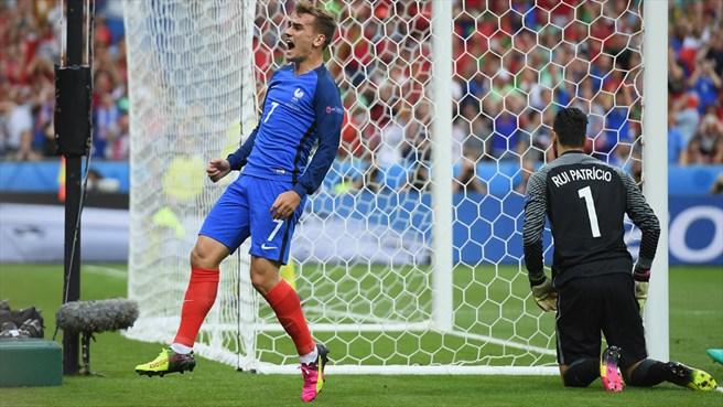 دقیقه 27 / فرانسه 0 - پرتغال 0 / کابوس میهمان؛ رونالدو مصدوم و تعویض شد+تصاویر