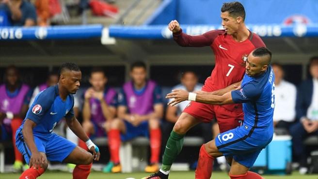 دقیقه 51 / فرانسه 0 - پرتغال 0 / رونالدو در بیست دقیقه مصدوم و تعویض شد +تصاویر