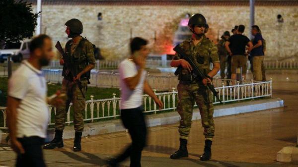 واکنشهای بینالمللی به کودتای ترکیه/ طرح توهینآمیز سیاستمدار آمریکایی علیه مسلمانان