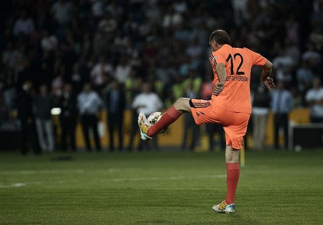 عکس هایی از فوتبال بازی کردن اردوغان!