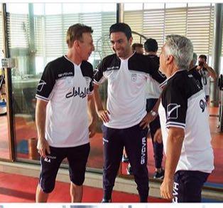 اولین عکس نکونام در لباس مربیگری تیم ملی