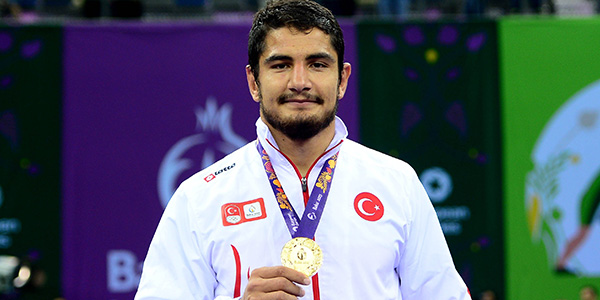 آکگول در پی تنها طلای ورزش ترکیه در المپیک مقابل کمیل قاسمی