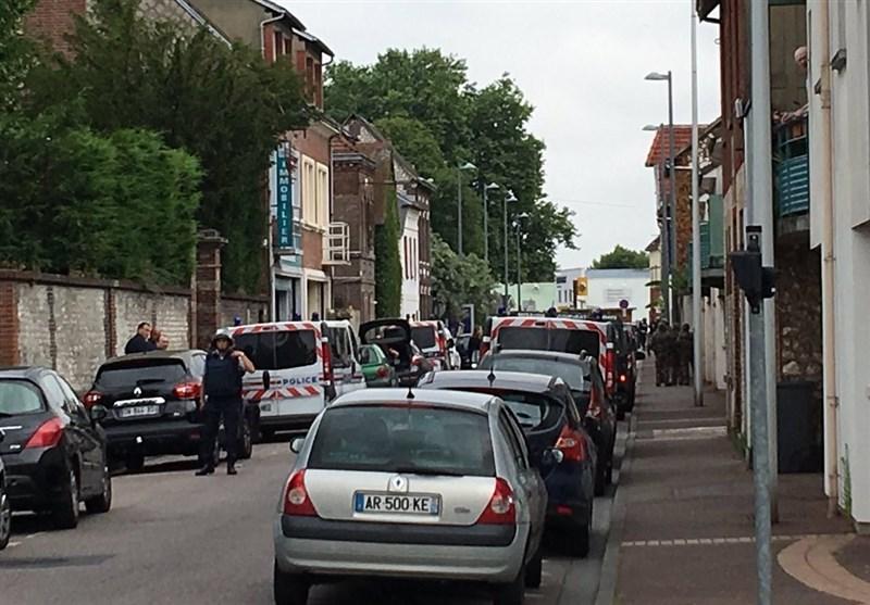 دو فرد مسلح، گلوی کشیش کلیسای نورماندی را بریدند