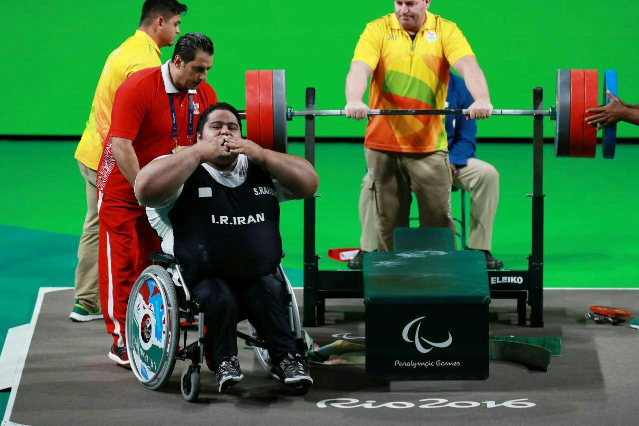 سیامند رحمان با شکستن رکورد پارالمپیک طلایی شد