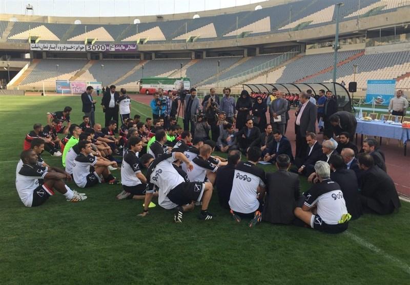 حضور جهانگیری در تمرین تیم ملی و تاخیر وزیر ورزش+ تصاویر