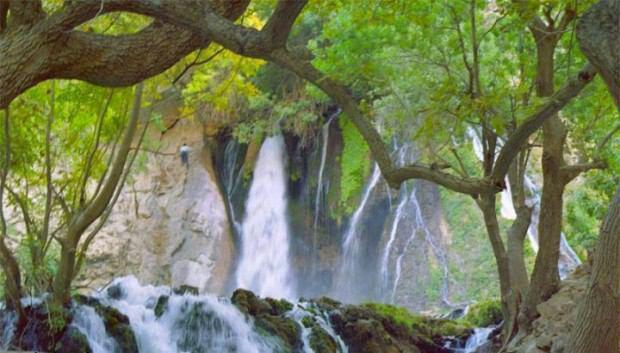 آبشار آتشگاه لردگان چهار محال و بختیاری