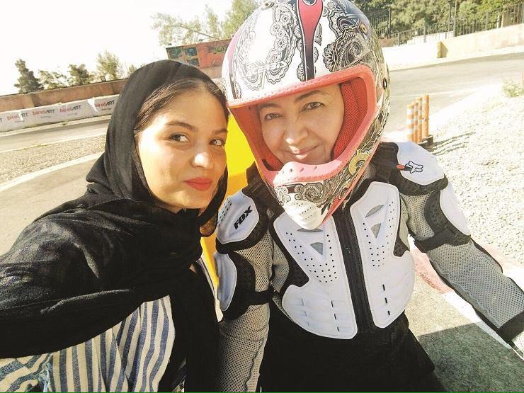 موتورسواری ستاره زن سینمای ایران با مربی خصوصی