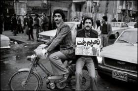 رفع تحریمها با اقتصاد ایران چه کرد؟/ چه کسانی خواهان تعطیلی مراکز خرید و پاساژها هستند؟/ تبخیر سرمایه ملی پشت سدهای کشور