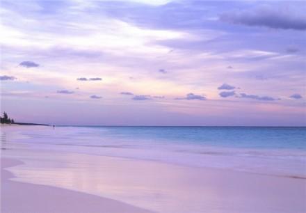 زیباترین ساحل صورتی جهان