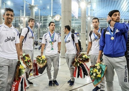 بازگشت بهترین تیم تاریخ ورزش ایران از جام جهانی
