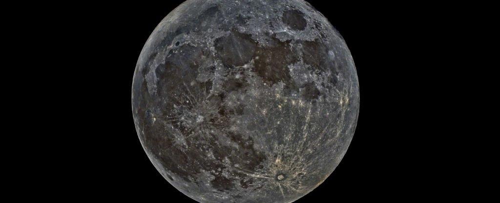 منتظر پدیده عجیب و نادر «ماه سیاه» در آسمان باشید