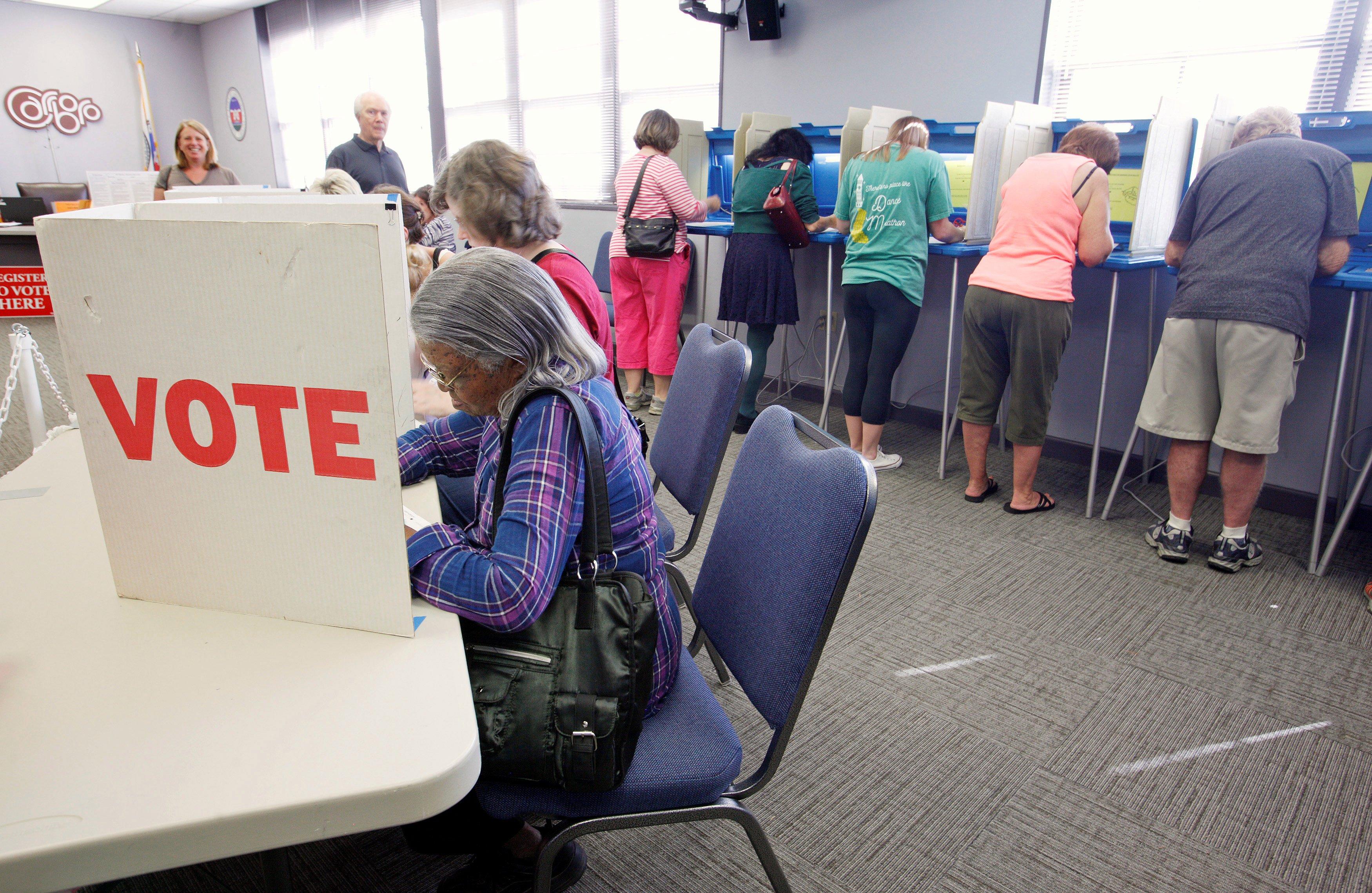 لحظه به لحظه با انتخابات آمریکا: آغاز رای گیری در شش ایالت شرقی / پیشتازی دونالد ترامپ در ایالت نیوهمپشایر