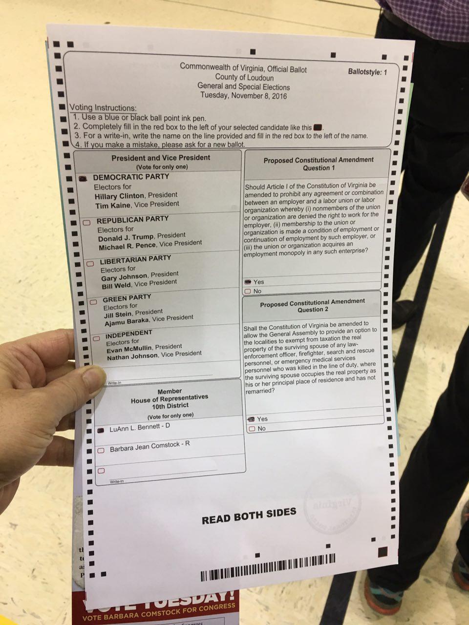لحظه به لحظه با انتخابات آمریکا: نتایج اولیه چند ایالت به نفع کلینتون