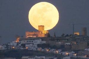 ماجراي ماه بزرگي که فردا شب خواهيم ديد