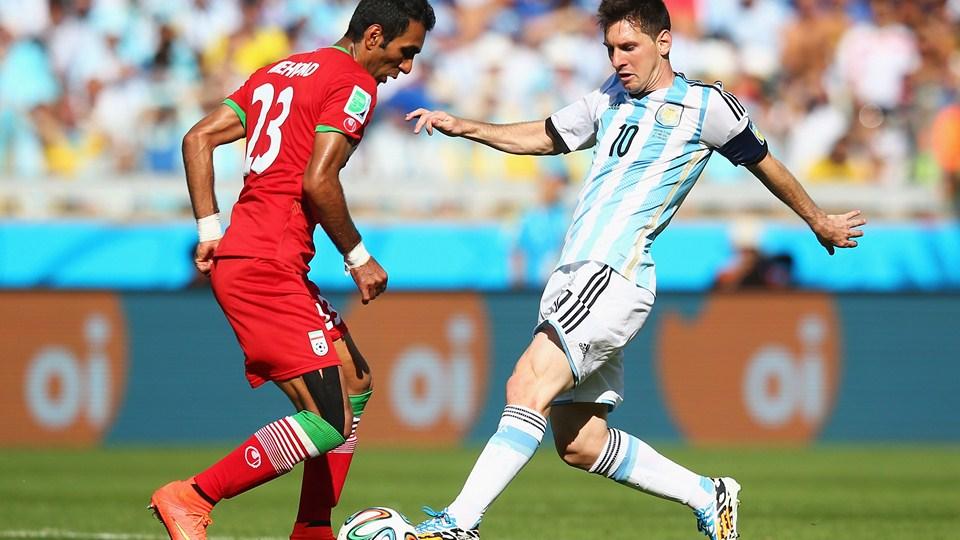 زمزمه بازگشت ستاره جنجالی فوتبال به ایران