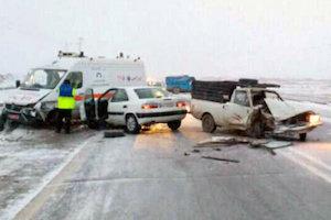 ۴۰ تصادف در محورهای اردبیل به دلیل برف و یخبندان - تابناک | TABNAK