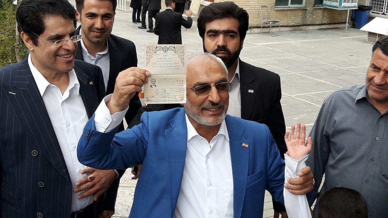 چه کسانی در روز آخر ثبتنام کردند؟/ محمد هاشمی و سه وزیر احمدینژاد کاندیدا شدند/جدول اسامی کاندیداهای شناختهشده
