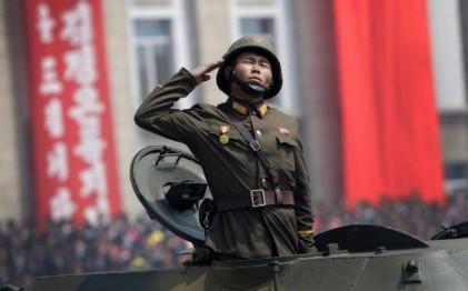 تصاویر رژه نظامی در پیونگ یانگ