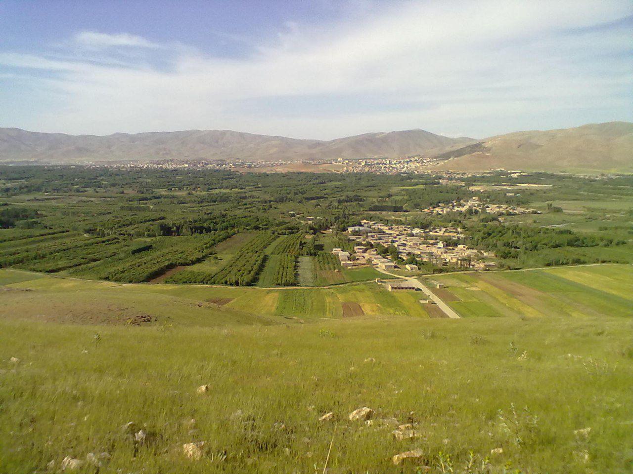 نمایی از باغات شهر نهاوند استان همدان