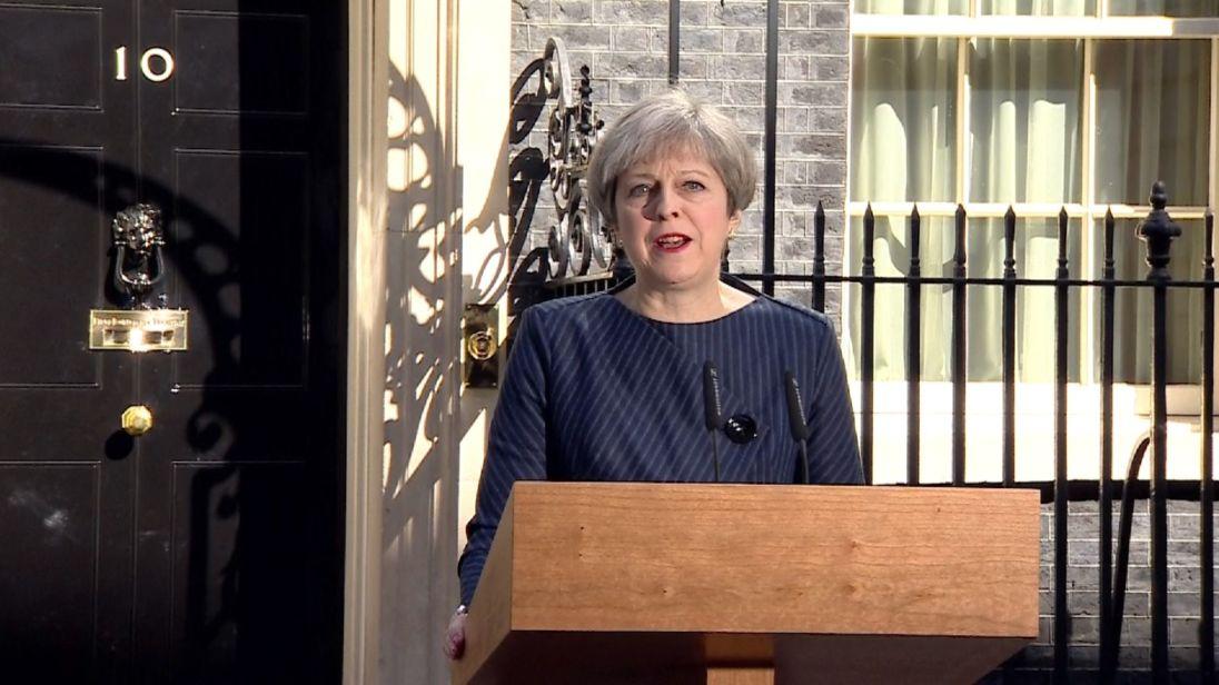 «تراز می» خبر از برگزاری انتخابات زود هنگام در انگلستان در پی اختلافات در خصوص برگزیت داد