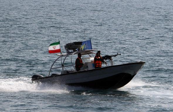 برخورد جدی دیگری بین شناورهای ایران و آمریکا در تنگه هرمز / افزایش خشونت در رفتار شناورهای آمریکایی