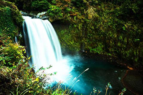 آبشار شیرایتو از نمای نزدیک