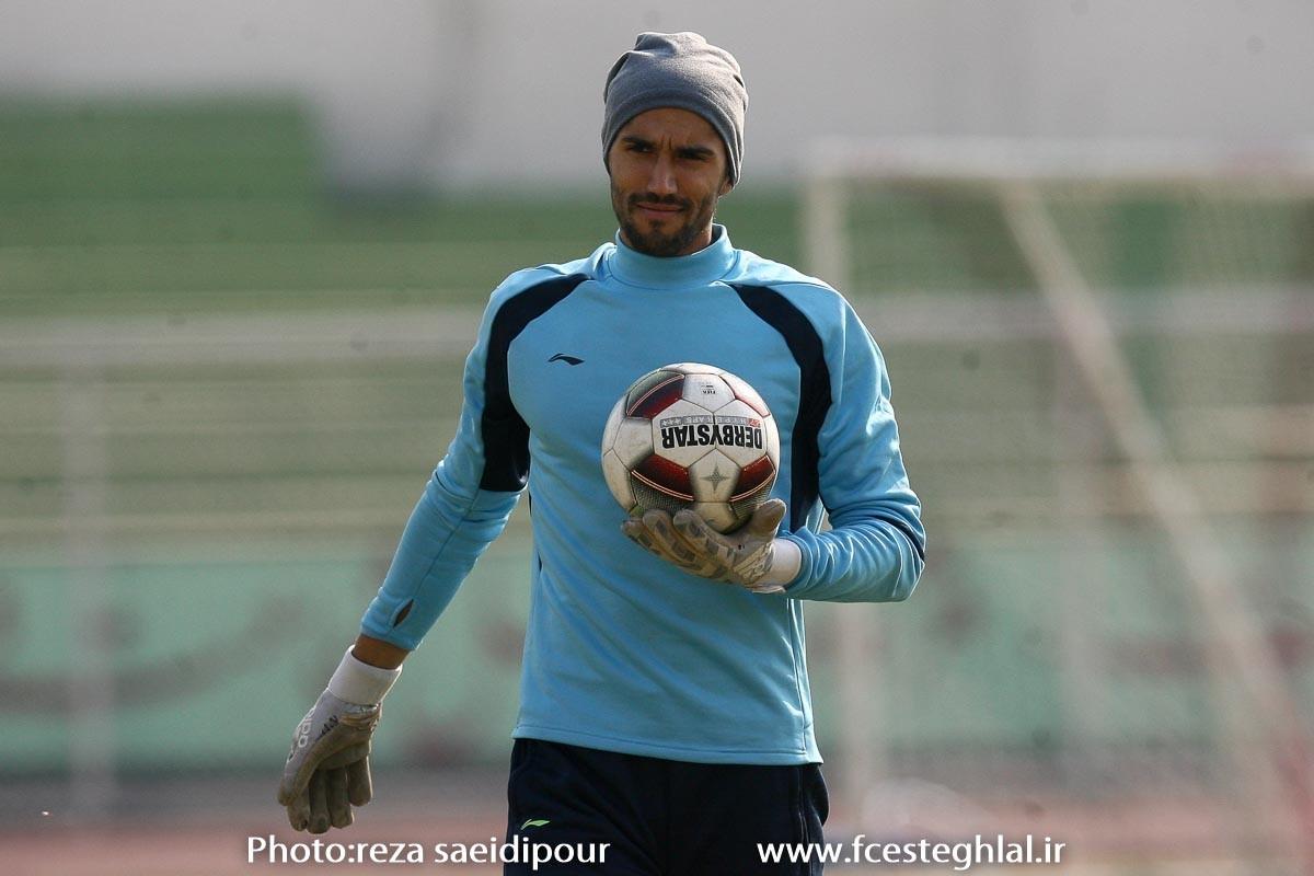 حسینی با مصدومیت 5دقیقه ای،رکورددار کلین شیت تاریخفوتبال ایران شد