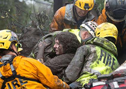 تصاویری دلهره آور از  طوفان گل در کالیفرنیا