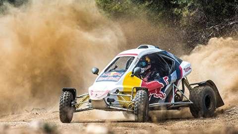 مسابقه سرعت با خودرو کروز در صحرا