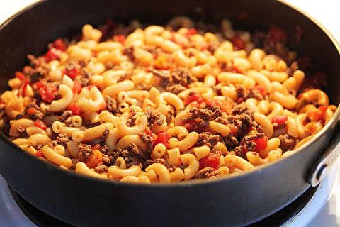 دستور پخت ماکارونی همبرگر پستو