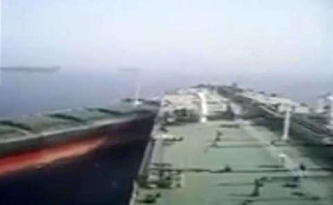 لحظه برخورد دو کشتی