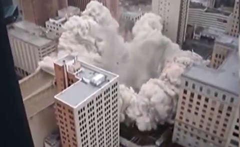 تخریب ساختمانهای عظیم در چند ثانیه