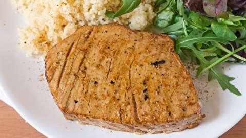 دستور پخت استیک ماهی تن طعم دار شده