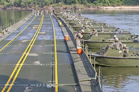 پلهای موقت شناور نظامی