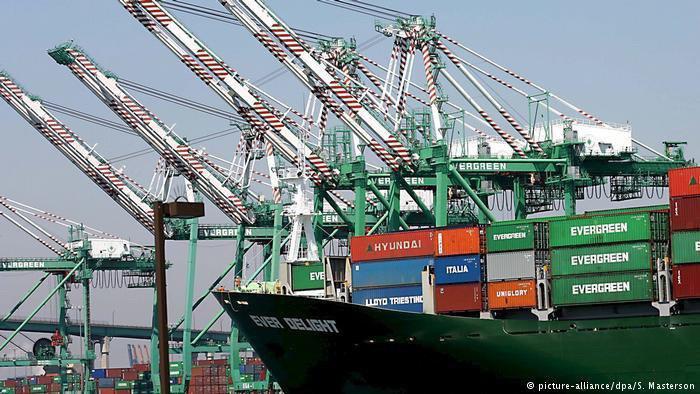 شکست ترامپ در کاهش کسری تجاری آمریکا
