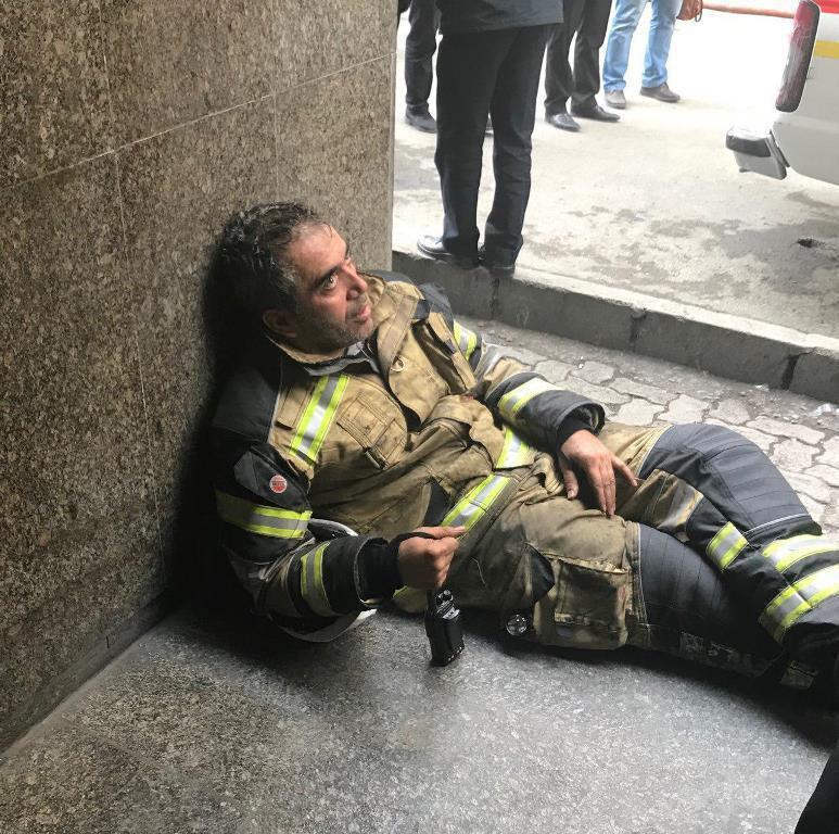 دودگرفتگی یک فرمانده آتش نشان