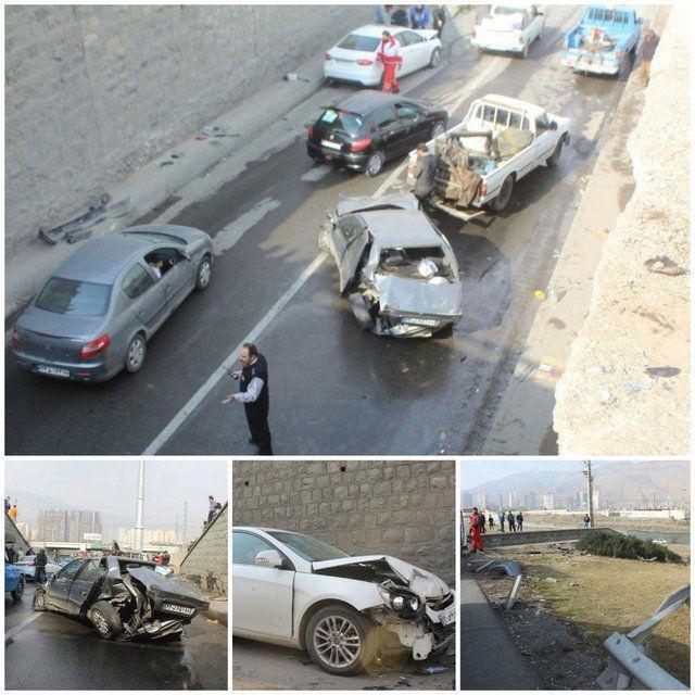 سقوط یک خودرو از روی پل در اتوبان تهران-کرج