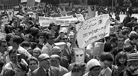 تظاهرات دانشجویان در اعتراض به سفر محمدرضا پهلوی به مونیخ