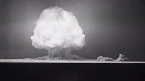 شهروندان آمریکا اولین قربانی اولین بمب هسته ای!