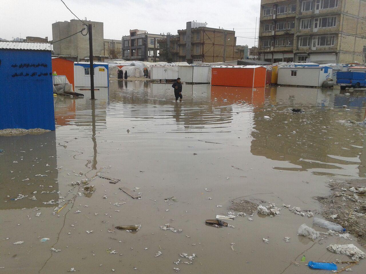 روز بارانی سرپلذهاب و مصائب زلزله زدگان