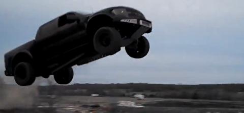 هفده پرش خودرویی دیوانهوار که توسط مردم عادی انجام گرفتهاند