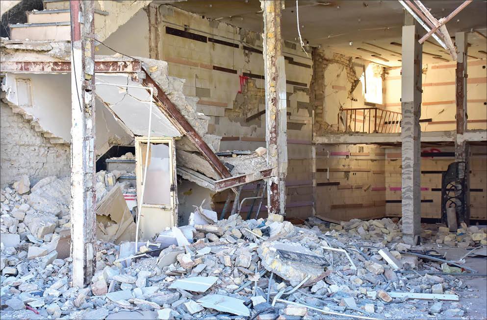 زلزلهزدگان سرپلذهاب درگیر کاغذبازیهای اداری