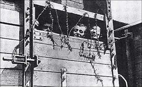 دیدار غیرنظامیان آلمانی از اردوگاه مرگ بوخنوالد
